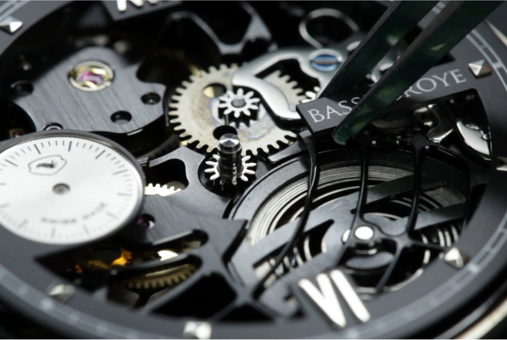How does a mechanical watch work?